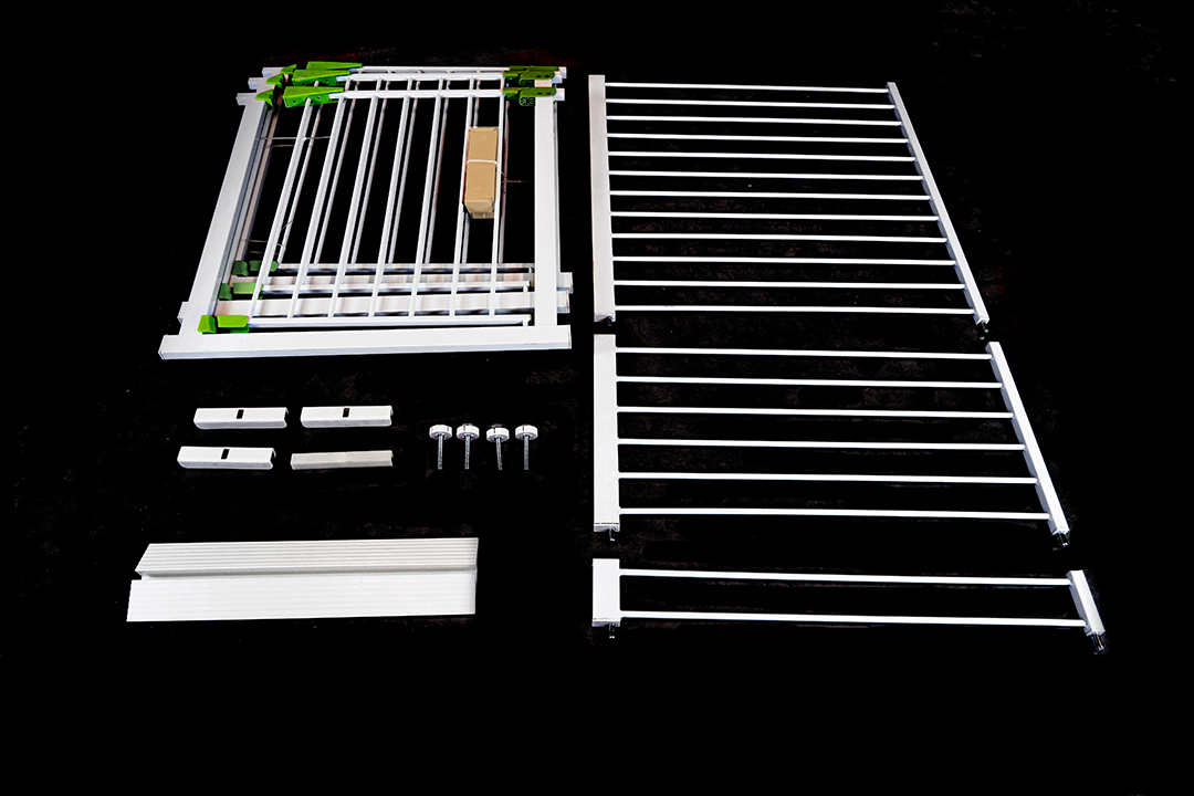 Safety gate รั้วกั้นรักษาความปลอดภัย 115-124 m. 15x80x112cm ST200731-3