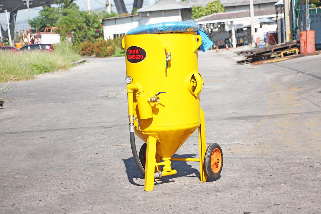 Sand blaster เครื่องยิงทราย 300L 62x74x135cm สีเหลือง TRB TRB620B-Y